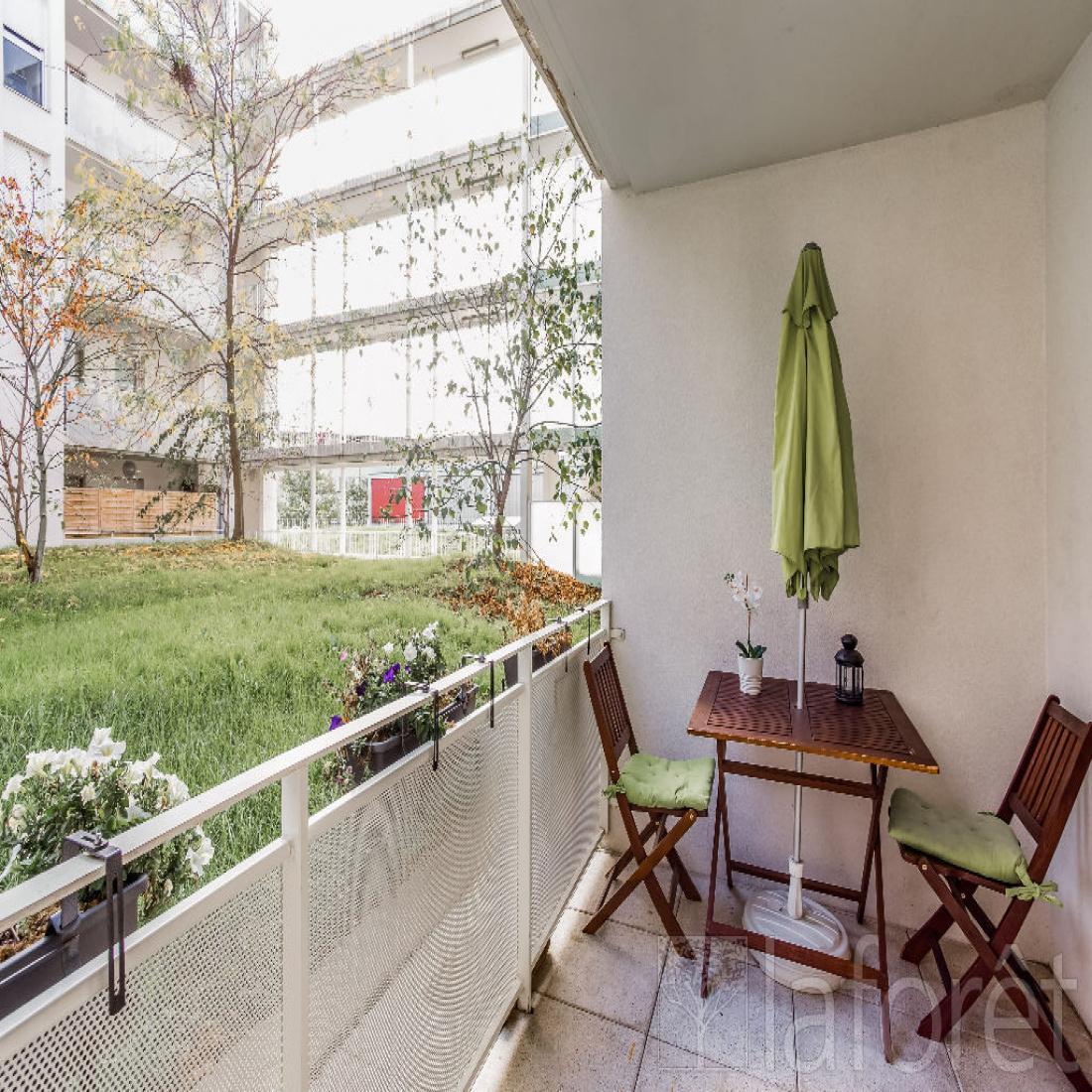 vente appartement lyon 3 pi ce s 61 70 m2 challeng. Black Bedroom Furniture Sets. Home Design Ideas